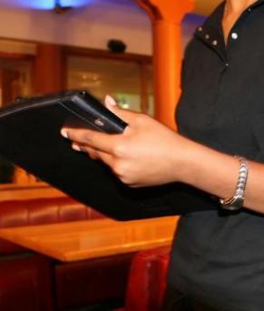 waiter-restaurant-dublin