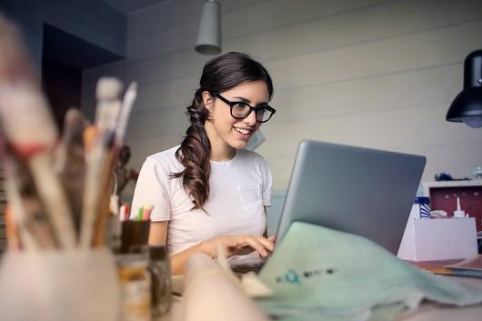 adult-glasses-laptop-blur-desk