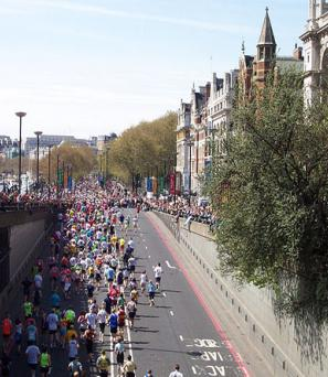 london-marathon-people-running-road-sunny