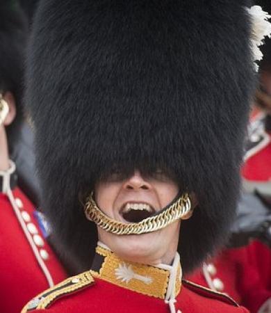 london-royal-guard-smiling