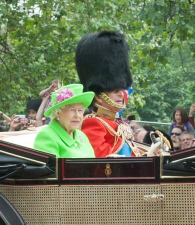 La reine pendant Trooping the Colour